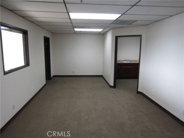 1801 E Heim Avenue, Orange CA: http://media.crmls.org/medias/581dfc85-06af-4139-aee6-56c1ad34dec5.jpg