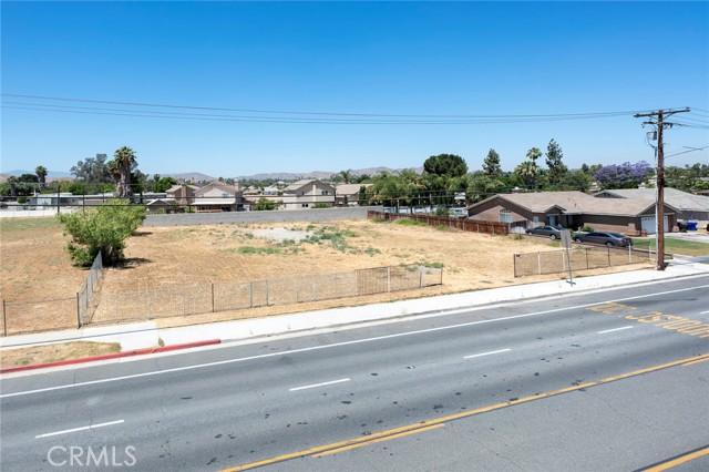 4654 Jackson Street, Riverside CA: http://media.crmls.org/medias/58216333-97b0-411b-9414-11c7efcd7227.jpg
