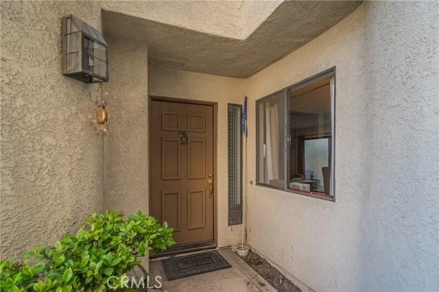 875 Endicott Drive, Claremont CA: http://media.crmls.org/medias/583528f0-9fc2-4fe4-ba88-0ef3f01f15f3.jpg