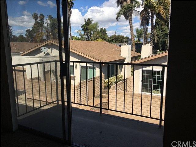 10512 S Jenny Lane, Garden Grove CA: http://media.crmls.org/medias/58359fc6-e121-41f7-b0b6-9e28ebf8e35d.jpg