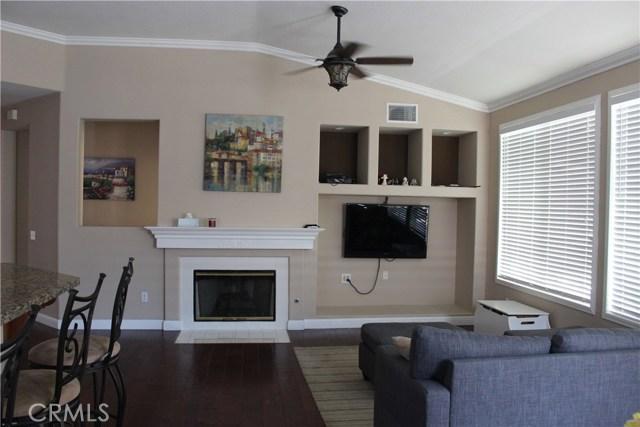 13673 Basswood Drive, Corona CA: http://media.crmls.org/medias/58483ea9-87a2-4b0d-8637-9f35fc6688e9.jpg