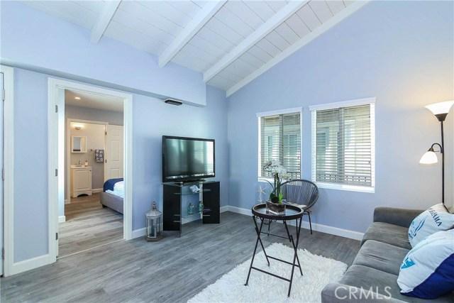 1320 W Balboa Boulevard, Newport Beach CA: http://media.crmls.org/medias/585918b9-7cd9-4386-b26f-e29e7cb4d167.jpg