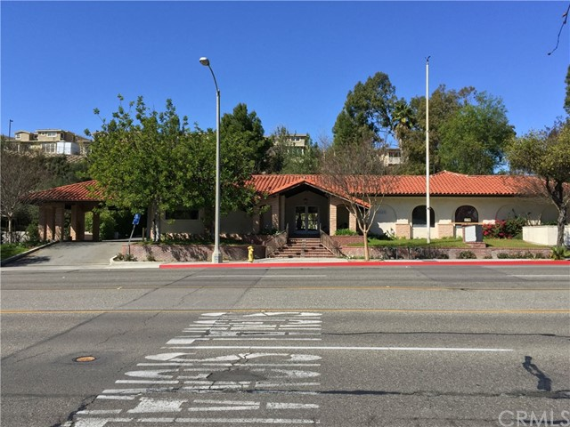 1441 N Brea Boulevard, Fullerton CA: http://media.crmls.org/medias/5860e7bc-b21f-4ddd-b5e4-20693eb7f225.jpg