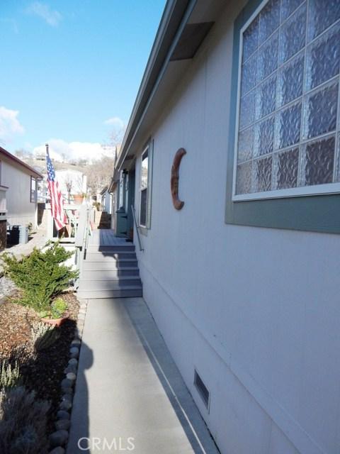 46041 Road 415, Coarsegold CA: http://media.crmls.org/medias/586152fe-5619-4954-94bc-786d62e5658b.jpg