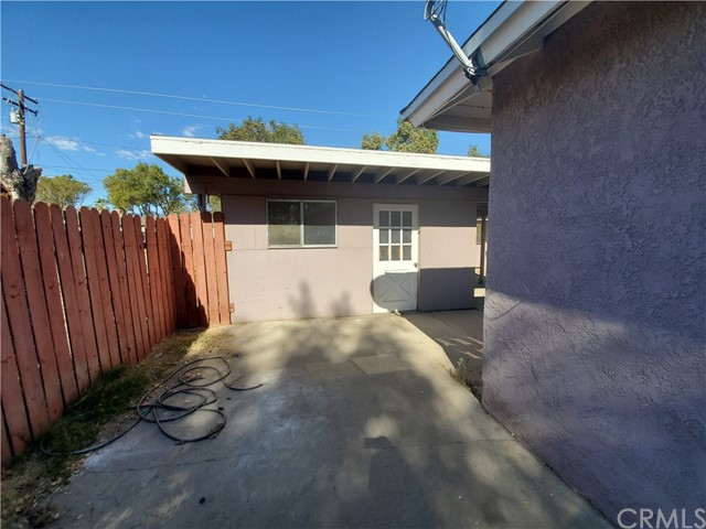 1512 Home Avenue, San Bernardino CA: http://media.crmls.org/medias/586de3c0-aff7-4955-b71d-38c4de60dec9.jpg