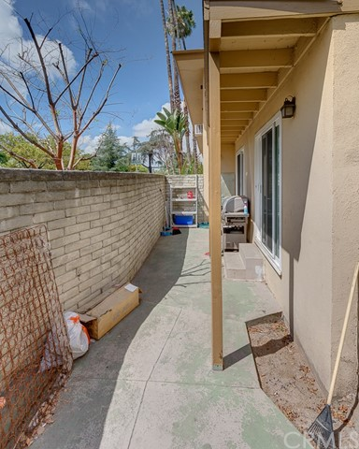 865 W Huntington Drive, Arcadia CA: http://media.crmls.org/medias/586e16c8-b9a5-4154-84c9-0702cdf80960.jpg