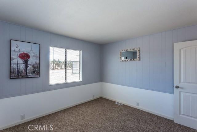 6625 Bartlett Drive, Phelan CA: http://media.crmls.org/medias/587b9619-c49b-4649-a105-09c7eb9ea0cc.jpg