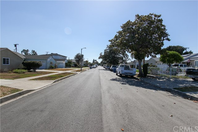 1222 W 187th W Street, Gardena CA: http://media.crmls.org/medias/587c5cb4-2d97-4a98-a905-92061bfbd85c.jpg