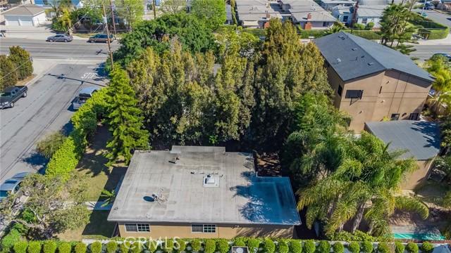 2133 Orange, Costa Mesa CA: http://media.crmls.org/medias/5883cba9-bf59-4202-8d19-225f7f9172b6.jpg