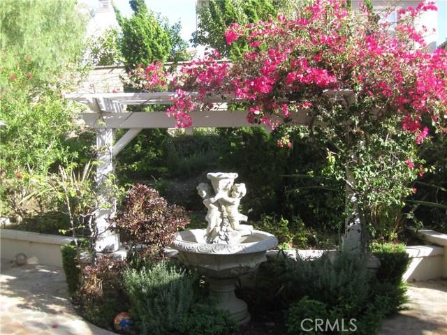 112 Lattice, Irvine CA: http://media.crmls.org/medias/5884a535-8143-42e4-87eb-a1ea10ecf57d.jpg