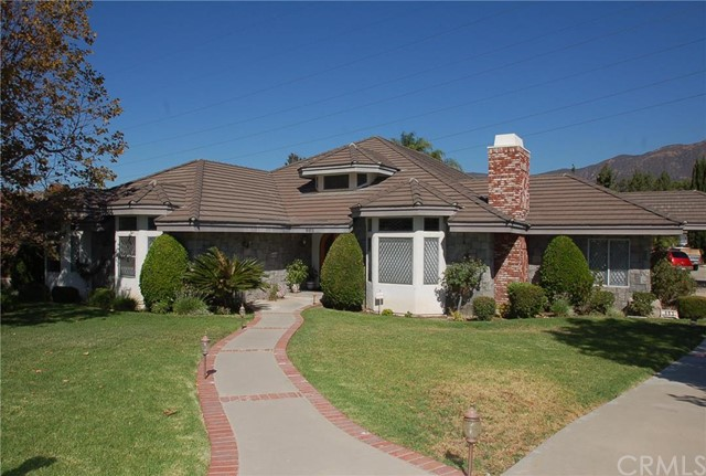 885 Deep Springs Drive (Click for details)