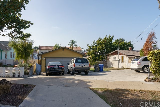 422 S Pacific Coast, Redondo Beach CA: http://media.crmls.org/medias/588f2c6a-fd04-4889-81c4-b63f56d83dd1.jpg