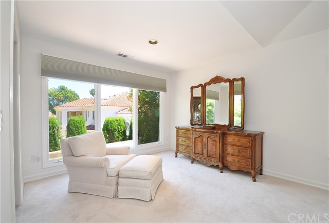 Additional photo for property listing at 40 Via Costa Verde 40 Via Costa Verde Rancho Palos Verdes, California,90275 United States