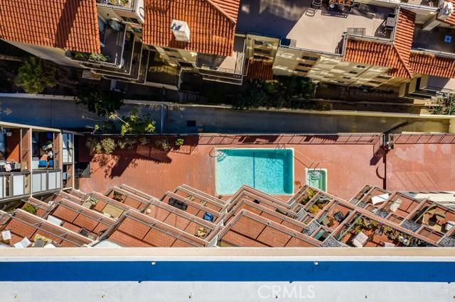 531 Esplanade, Redondo Beach CA: http://media.crmls.org/medias/58a25848-c8ca-4e4d-8259-959044dc711f.jpg