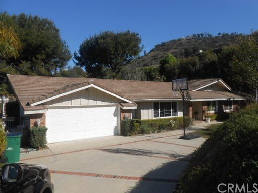 Single Family Home for Rent at 10531 Ridgeway St Santa Ana, California 92705 United States