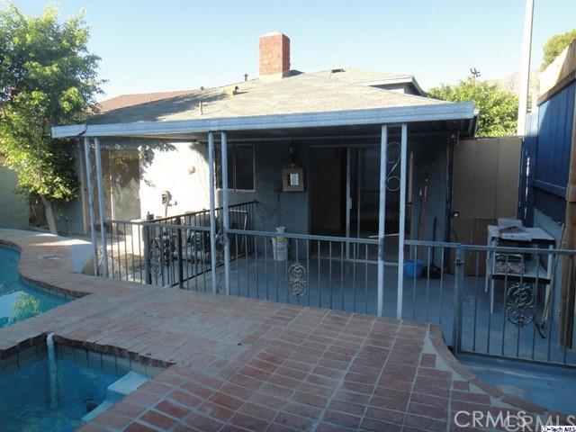 8254 Wentworth Street, Sunland CA: http://media.crmls.org/medias/58b35343-1c5f-4d37-9e9a-96886f17cd41.jpg
