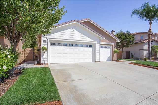 26931 Lemon Grass Way, Murrieta CA: http://media.crmls.org/medias/58b6e595-f007-44a4-a6db-97f8a5f2cb53.jpg