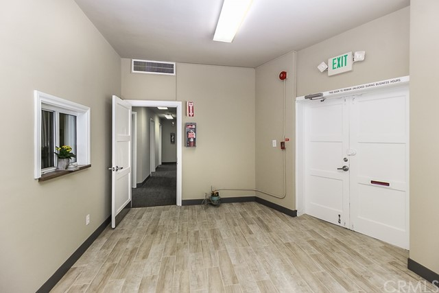 5308 5306 N Figueroa Street, Highland Park CA: http://media.crmls.org/medias/58c3bf75-a725-43a9-84d4-bf4c8e87a2a5.jpg