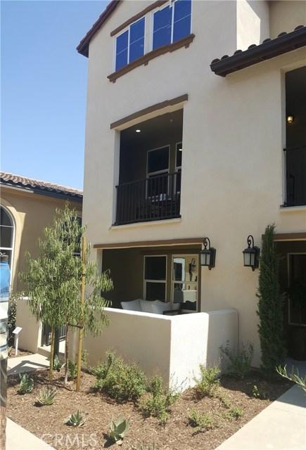 1530 First Street 19, Santa Ana, CA, 92704