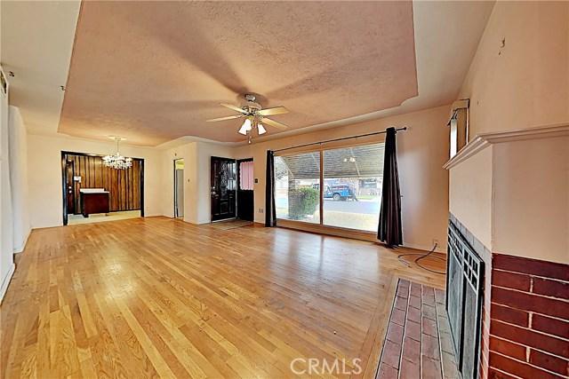 1405 S Nevada Avenue, Los Banos CA: http://media.crmls.org/medias/58d45d0d-09f1-4acf-9659-0a9c7bb3674a.jpg