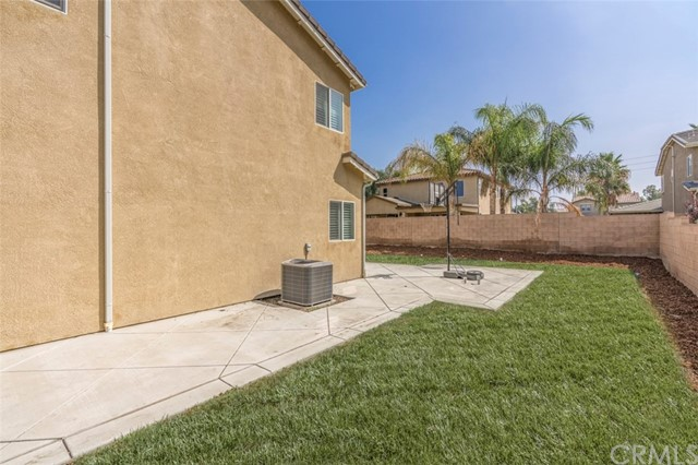 7642 Turtle Mountain Circle, Eastvale CA: http://media.crmls.org/medias/58dc55f7-7029-4b0c-81fe-7e9fb67a99bd.jpg
