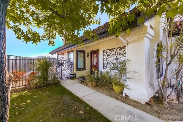 6219 E Quartz Lane, Anaheim Hills CA: http://media.crmls.org/medias/58e1ce11-9bfb-4427-b0a3-47a26123e5a9.jpg