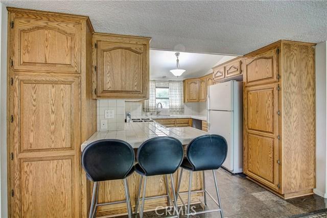 10000 Encino Avenue, Northridge CA: http://media.crmls.org/medias/58e2fdfc-fd0e-4a7d-a52c-b1c8c193cab5.jpg