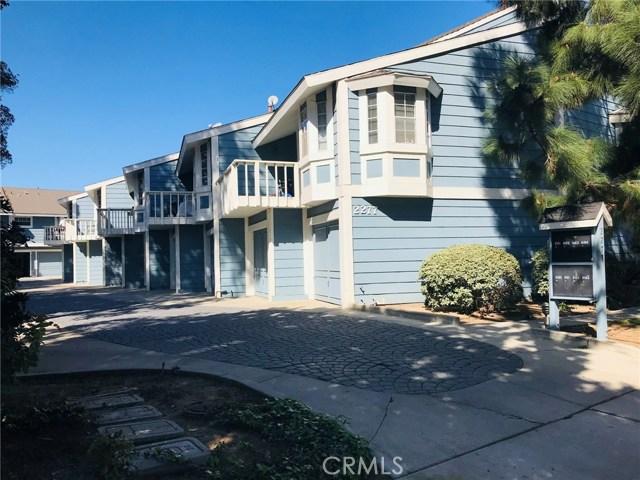 2277 Pacific Avenue, Costa Mesa CA: http://media.crmls.org/medias/58e8d542-d8f3-4eee-8138-ffcffd5e4e95.jpg