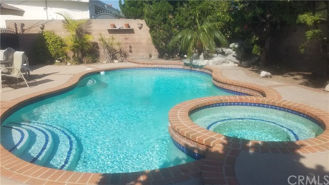 5618 W 63rd St, Ladera Heights, CA 90056 Photo