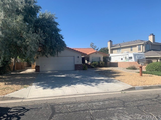 17824 Canyon Meadow Road,Victorville,CA 92395, USA