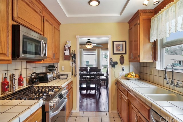 3716 Allred Street, Lakewood CA: http://media.crmls.org/medias/590d1fa7-30ff-4a8f-b571-631b114184c0.jpg