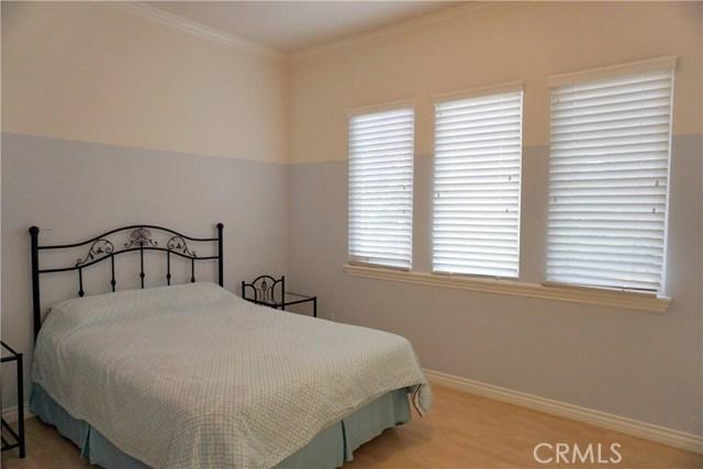 1856 Oakwood Avenue, Arcadia CA: http://media.crmls.org/medias/5911dc7c-fa73-46d0-8422-a1357306d0a5.jpg