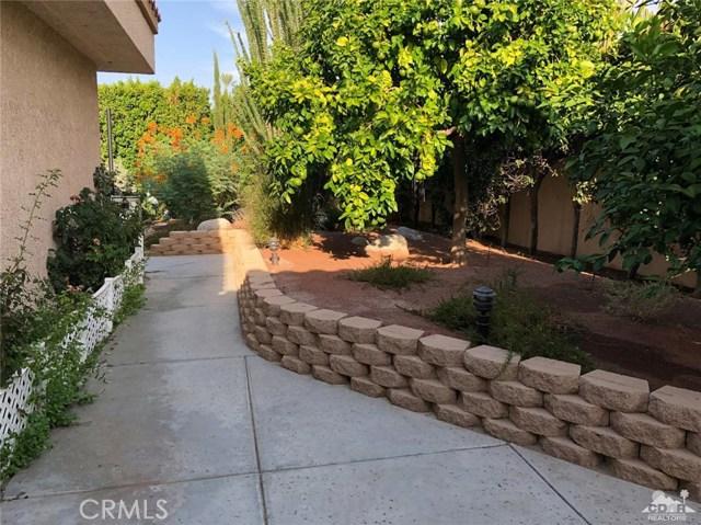 21 Mission Palms, Rancho Mirage CA: http://media.crmls.org/medias/59259b78-ec7e-44be-ac68-38ae2a8c75b6.jpg