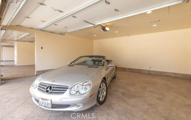 624 Lancer Lane, Corona CA: http://media.crmls.org/medias/592f0bd4-9c99-4922-b255-a746d169feed.jpg