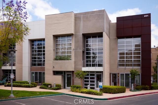 Condominium for Rent at 207 East City Place St Santa Ana, California 92705 United States