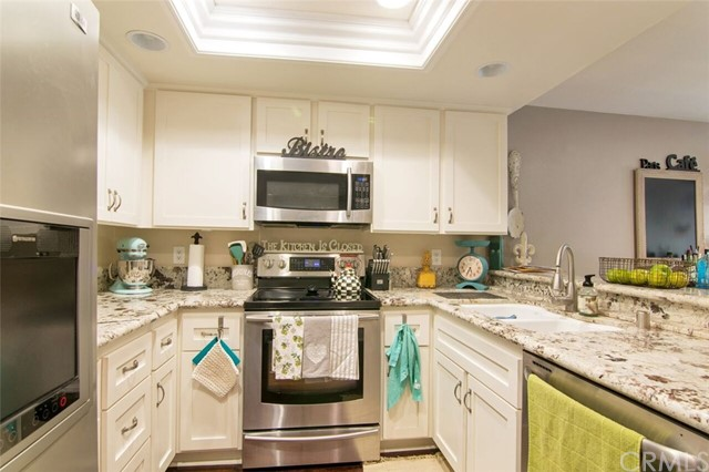 6580 E Camino Vista 3 Anaheim Hills, CA 92807 is listed for sale as MLS Listing PW17162534