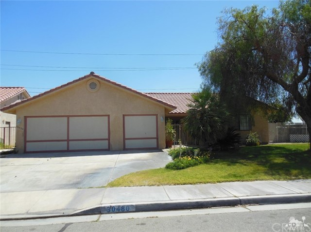 30480 Travis Ave, Cathedral City CA: http://media.crmls.org/medias/59354a02-b304-4c35-bc8c-3b466500c687.jpg
