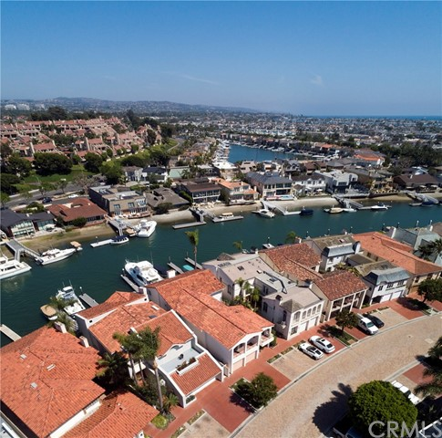5 Linda Isle, Newport Beach CA: http://media.crmls.org/medias/5948202a-ddfc-4f42-a41e-e4c6f5d8c74f.jpg