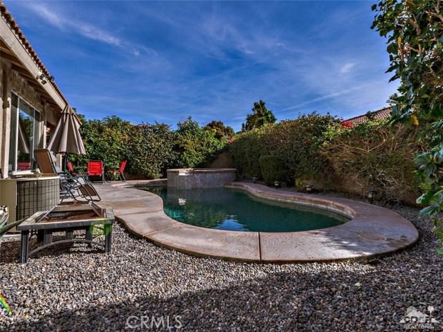78225 Desert Fall Way, La Quinta CA: http://media.crmls.org/medias/5948e58c-566b-4631-8e89-9624a2a6ef1c.jpg