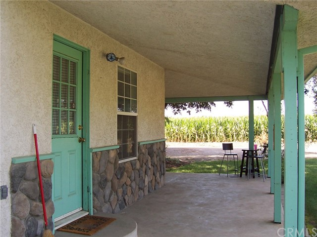 7170 State Highway 32, Orland CA: http://media.crmls.org/medias/594a8102-a48f-4d2a-8c89-4eb336ea5003.jpg