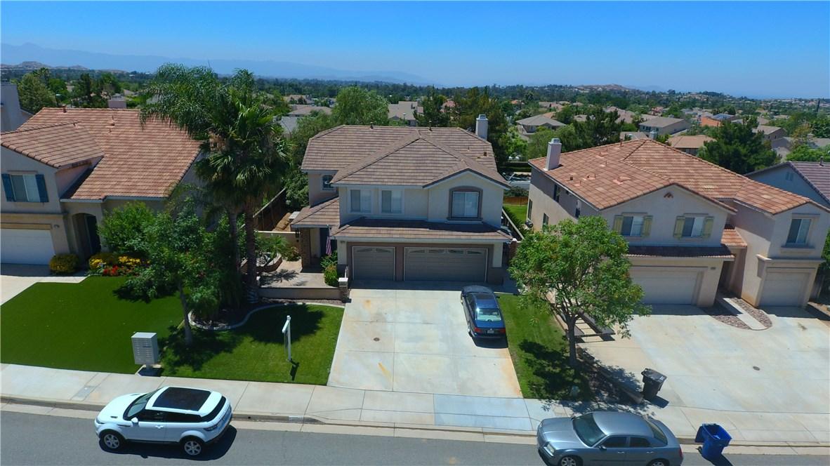 8371 Attica Drive, Riverside CA: http://media.crmls.org/medias/594affcc-299f-46c9-86f4-737582b6184d.jpg