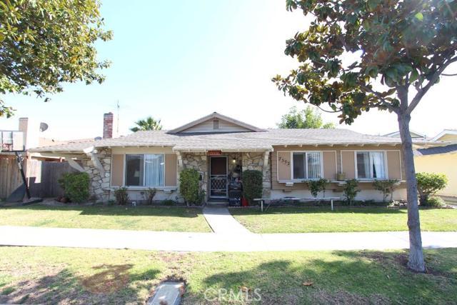 7592 Amazon Drive Huntington Beach, CA 92647 is listed for sale as MLS Listing OC16070963