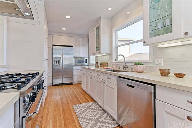 Additional photo for property listing at 533 24th Street  Manhattan Beach, Kaliforniya,90266 Amerika Birleşik Devletleri