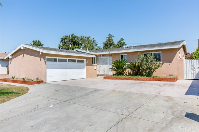 1405 W Apollo Avenue Anaheim, CA 92802 is listed for sale as MLS Listing CV17205210