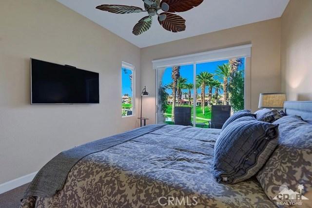 544 Desert Holly Drive, Palm Desert CA: http://media.crmls.org/medias/5955a105-bfc6-4632-af77-5d3e979a3e55.jpg
