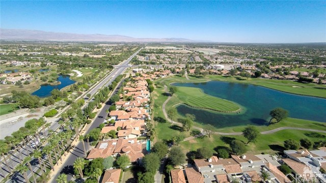 54015 Southern Hills, La Quinta CA: http://media.crmls.org/medias/5965fa7d-d63b-48c9-b568-16336d14a0a9.jpg