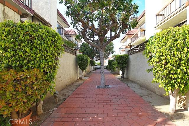 526 N Ynez Avenue, Monterey Park CA: http://media.crmls.org/medias/596aad9a-f0f2-4403-83b5-37d3fea77e97.jpg