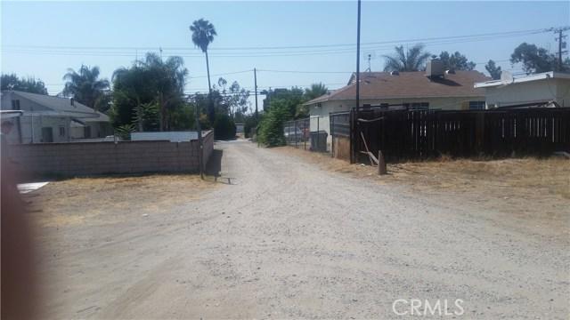 9791 Poplar Avenue, Fontana CA: http://media.crmls.org/medias/5973b068-aac0-4c04-910f-e3b46cb4bc20.jpg