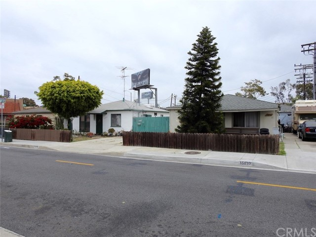 Single Family Home for Sale at 15810 Firmona Avenue Lawndale, California 90260 United States