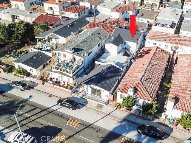 1320 W Balboa Boulevard, Newport Beach CA: http://media.crmls.org/medias/597a737c-0997-419b-9dbc-f08acd6813c6.jpg